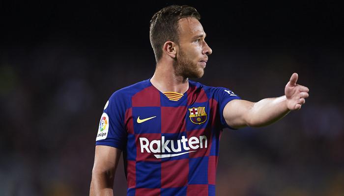 Артур согласился перейти в Ювентус. В Барселону в рамках обмена отправится Пьянич