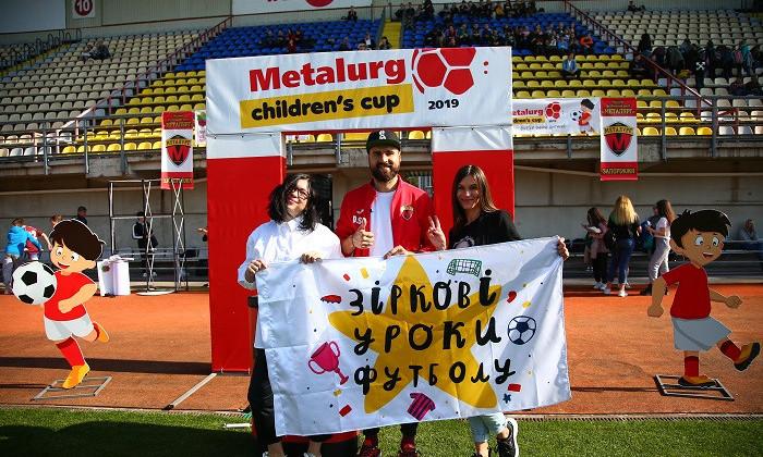 В українському футболі – багато нових форм, логотипів, ребрендингу. І лише 5 спеціалістів із маркетингу на десятки клубів