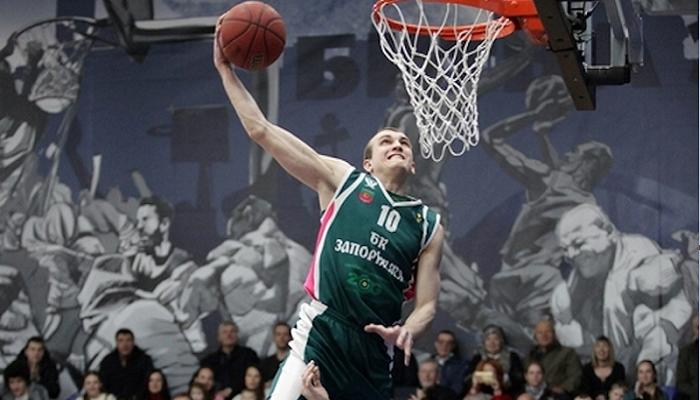 Український баскетболіст М'ясоєдов знаходиться в комі після падіння з велосипеда