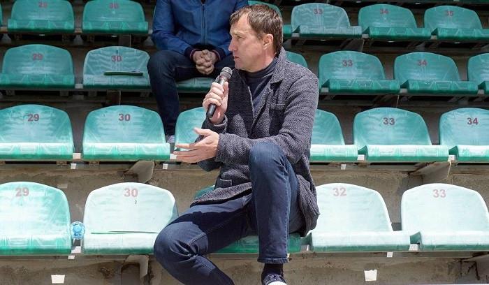 Лавриненко: Хочу поддержать футболистов, ведь мы часто забываем о них