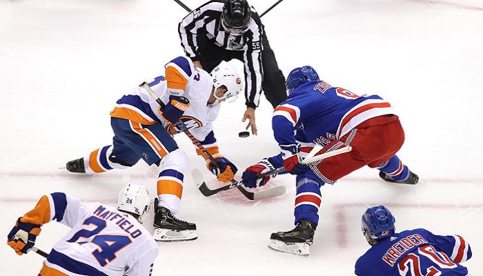 НХЛ: Айлендерс разгромили Рейнджерс, победы Питтсбурга, Каролины и Флориды