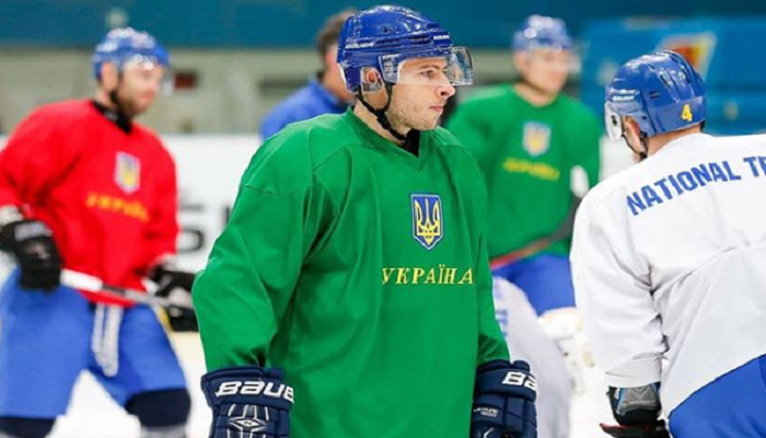 Крижані Вовки підписали форварда збірної України Кічу
