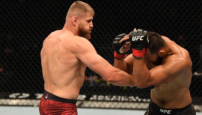 Блаховіч нокаутував Рейєса і став чемпіоном UFC у напівважкій вазі