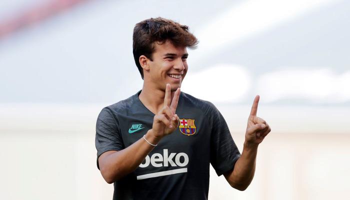 Барселона активувала опцію продовження контракту з Пучем