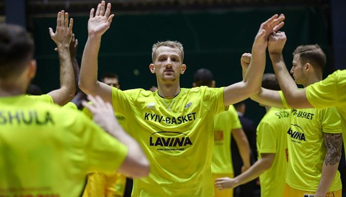 Два украинца и три легионера: определена символическая сборная первой части сезона Суперлиги