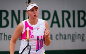 Лопатецкая вышла в 1/8 финала турнира в Анталии