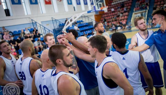 Гравці і тренери МБК Миколаїв здали негативні тести на COVID-19. В клубі хворіли шість баскетболістів