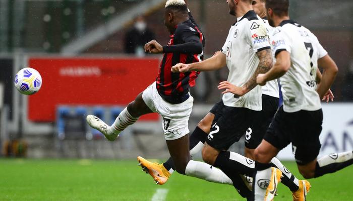 Милан - Наполи: где смотреть онлайн видеотрансляцию матча