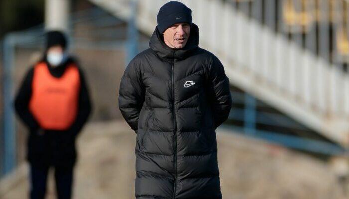"""Тренер СК Дніпро-1 Ханас: """"Емоції треба було направити на футбольне поле, а не на суддів"""""""