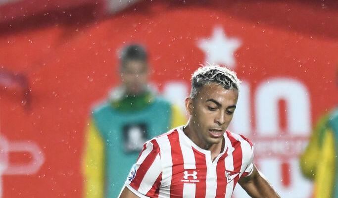 Манчестер Сити предложил 19 миллионов евро за 17-летнего аргентинца Сармьенто