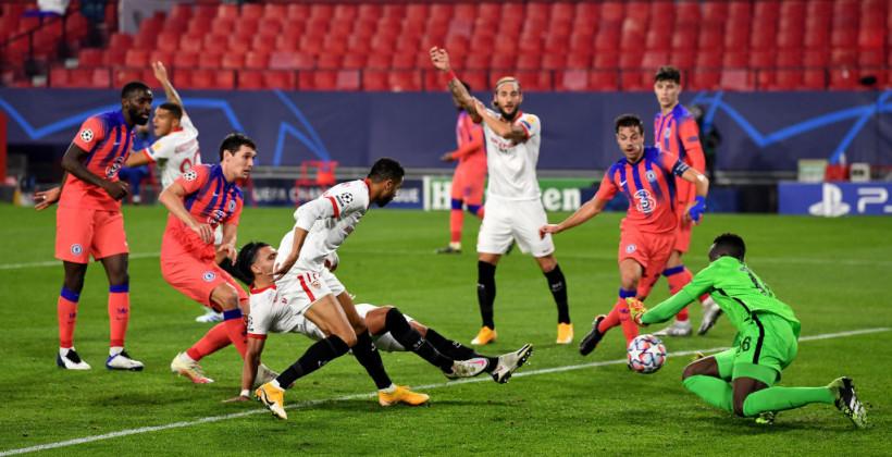 Четыре гола Жиру помогли Челси разбить Севилью на выезде