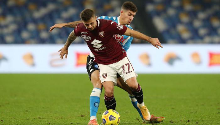 Наполи вырвал ничью в матче с Торино, сравняв счет в компенсированное время