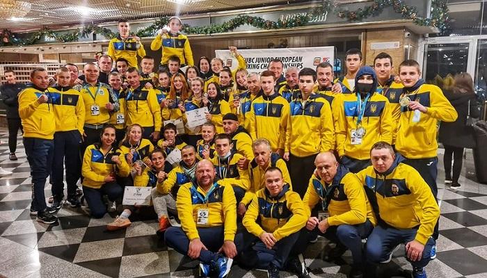 Юниорская сборная Украины выиграла 20 медалей на чемпионате Европы по боксу