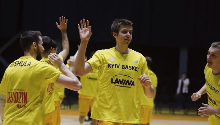 Форвард Киев-Баскета Ковалев пропустит три недели из-за перелома челюсти