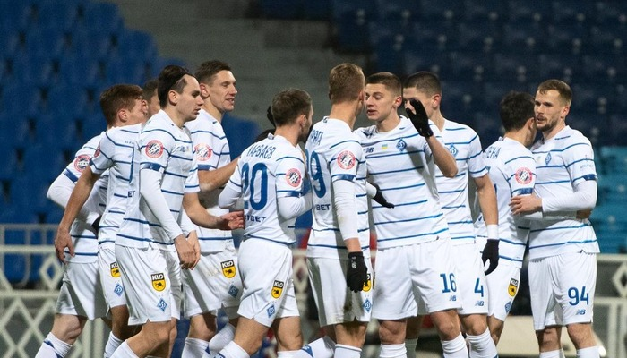 Динамо - Легия смотреть онлайн видеотрансляцию матча