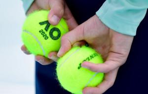 Нещеплених від COVID-19 тенісистів можуть не допустити до Australian Open