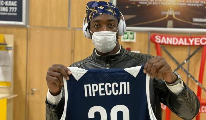 Харківські Соколи підписали колишнього центрового Запоріжжя Преслі