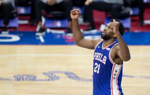 Данк Эмбиида с наброса от Симмонса — момент дня в НБА (видео)
