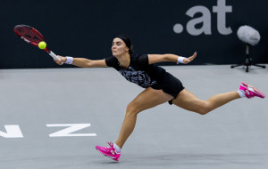Калинина доиграет матч на турнире в Португалии в пятницу