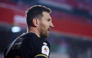 Лапорта убежден, что Месси захочет остаться в Барселоне