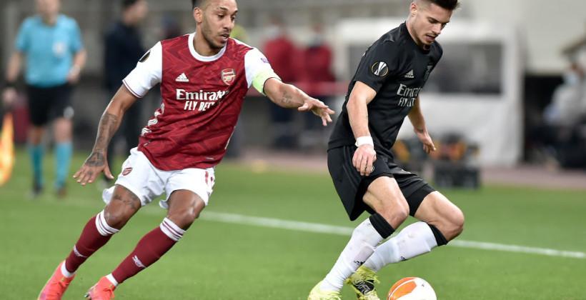 Арсенал на последних минутах обыграл Бенфику и вышел в 1/8 финала Лиги Европы