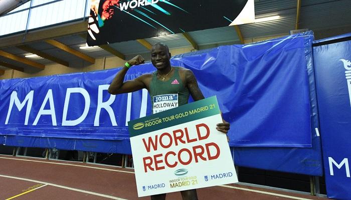 Американец Холлоуэй установил мировой рекорд в беге с препятствиями на 60 метров в помещении