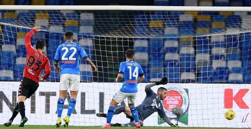 Наполи уверенно обыграл Беневенто в матче Серии А