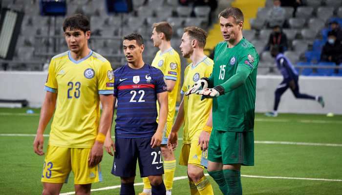 Вратарь Мокин завершил карьеру в сборной Казахстана перед матчем с Украиной