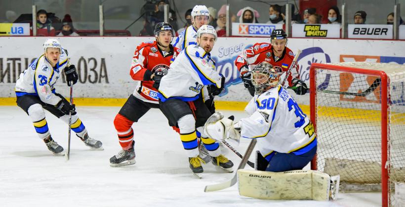 УХЛ: Донбас, двічі відіграючись, дотиснув Дніпро