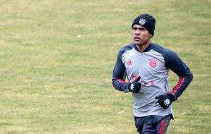 Дуглас Коста согласовал контракт с Гремио