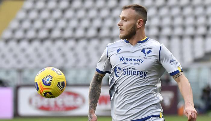 Интер продлит контракт с защитником Димарко