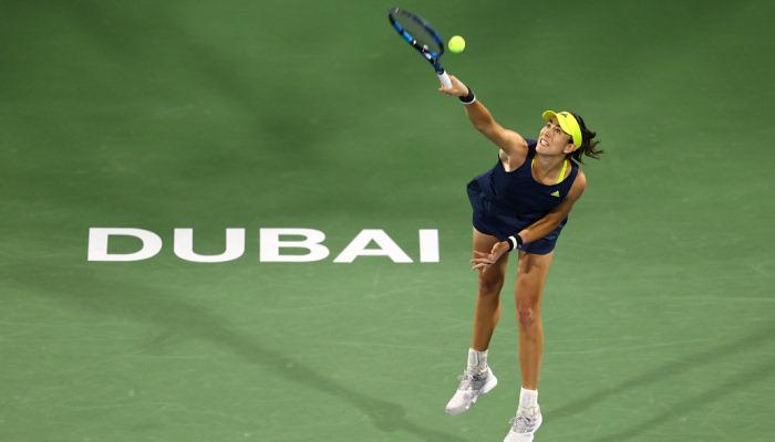 Мугуруса победила Швентек в 1/8 финала турнира в Дубае
