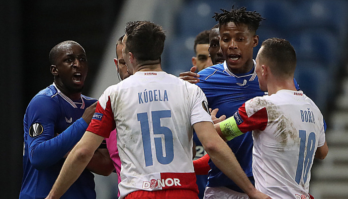 Захисника Славії Куделу побили після матчу з Рейнджерс. Джеррард звинуватив його в расизмі