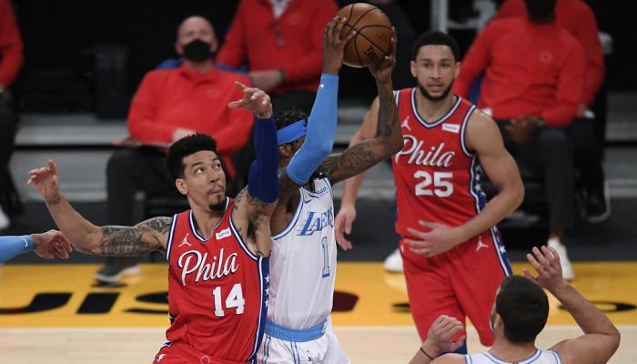 НБА: Филадельфия победила Лейкерс, Майами проиграл пятый матч подряд