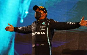 Хэмилтон выиграл Гран-при Испании и укрепил лидерство в общем зачете Формулы 1
