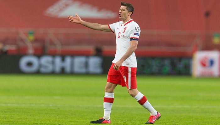Левандовскі не зіграє проти збірної Англії через травму коліна