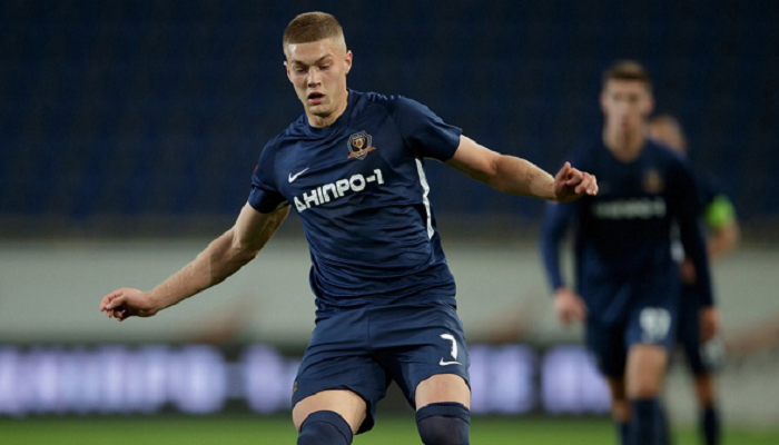 Шевченко довызвал в сборную Украины нападающего Днепра-1 Довбика