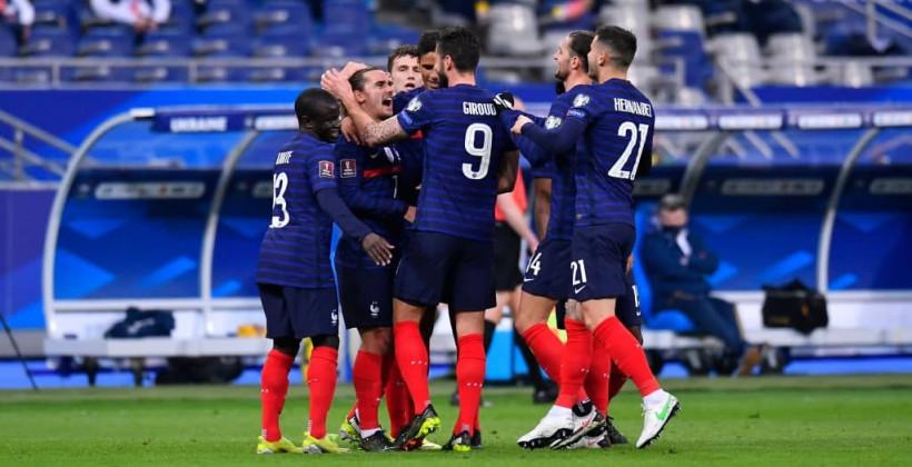 Сборная Франции повторила выездную победную серию 30-летней давности