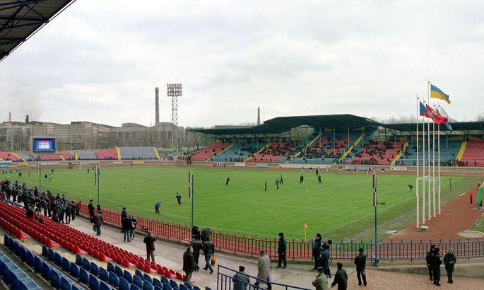 Маріуполь завершив реконструкцію газону на стадіоні ім. В. Бойко