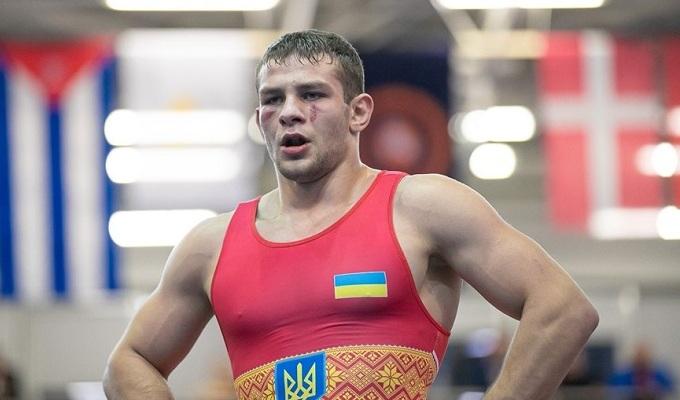 Евтушенко и Петрик выиграли бронзовые медали чемпионата Европы по греко-римской борьбе