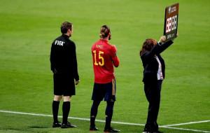 Рамос устроил цирк в сборной Испании: выходит для статистики, а потом травмируется