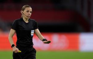 Фраппар – перша жінка-арбітр, яка відпрацює на чоловічому чемпіонаті Європи