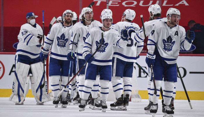 НХЛ. Торонто вышел в плей-офф, Вегас выиграл десятый матч подряд