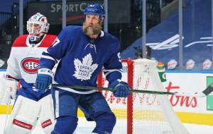 НХЛ: Торонто уступил Монреалю, победа Детройта над Каролиной, успех Вегаса и Анахайма