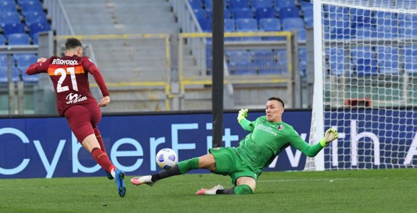 Рома на своем поле минимально победила Болонью