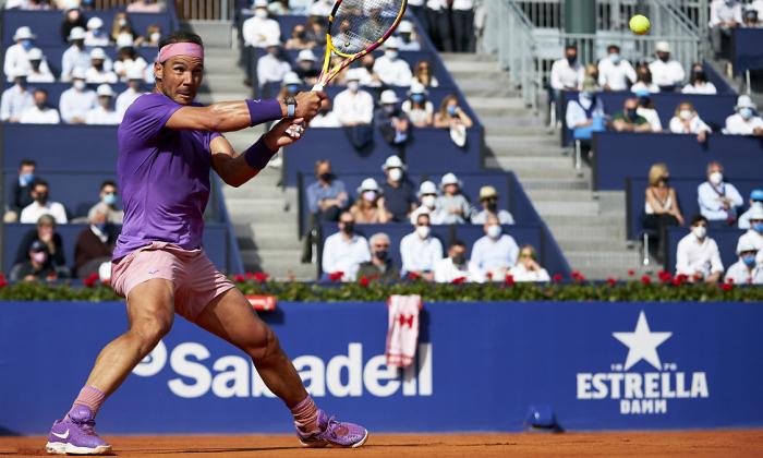 Надаль победил Циципаса и выиграл турнир в Барселоне