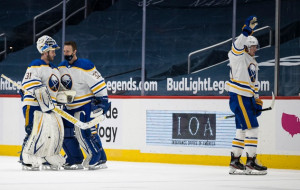 НХЛ: Вашингтон вдома програв Баффало, перемоги Тампи і Кароліни