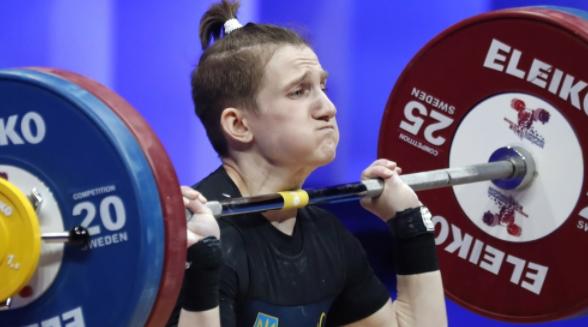 Украинка Конотоп выиграла три золота на ЧЕ по тяжелой атлетике в Москве
