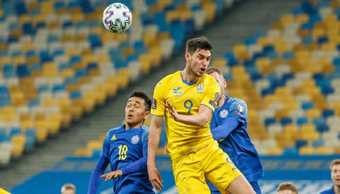 Яремчук: «Каждый футболист должен задуматься и опуститься на землю после таких матчей»