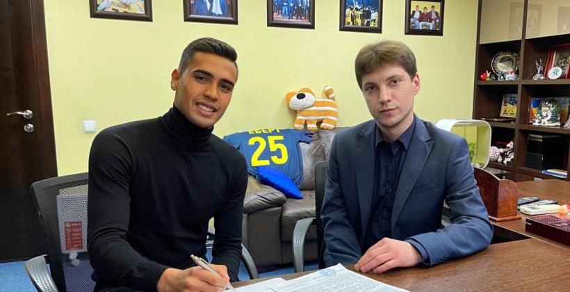 Метал оголосив про підписання бразильського захисника Еберта